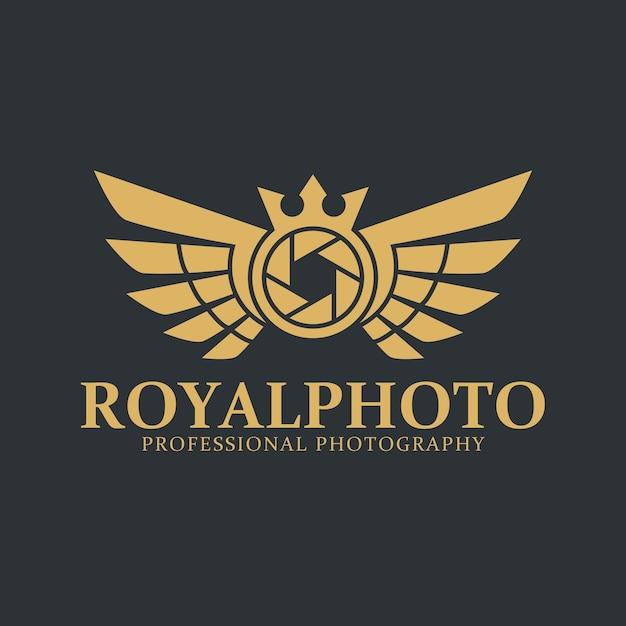 Camera logo - royal photography studio Premium Vector