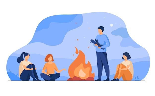 キャンプファイヤー、キャンプ、ストーリーテリング。陽気な人々が火に座って、怖い話をして、楽しんでいます。夏のアウトドア活動や友達との余暇のトピック 無料ベクター