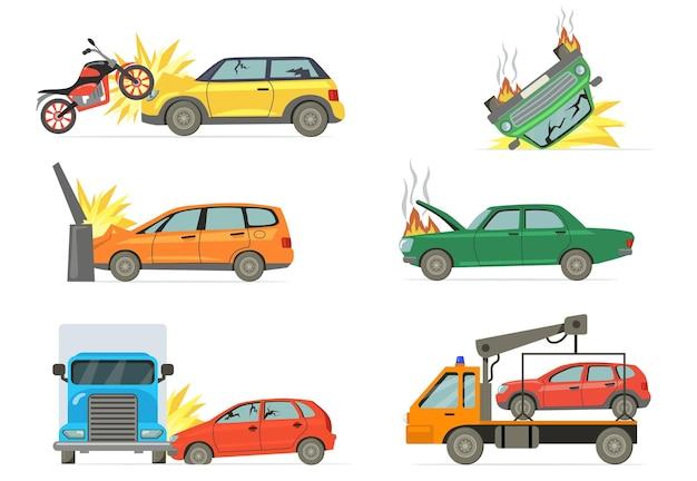 자동차 충돌 세트. 불타는 자동차, 오토바이, 트럭, 타월 트럭 흰색 배경에 고립 된 도로 사고. 무료 벡터