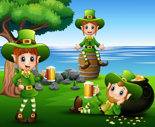 Cartoon leprechauns holding a beer in the park Vector ...