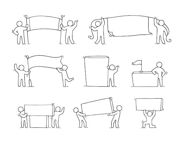Мультфильм набор эскиз маленьких людей с пустыми пространствами. doodle милые работники с баннерами. Premium векторы