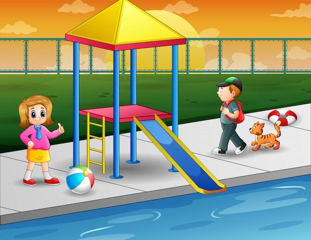 Дети играют в открытом бассейне Premium векторы