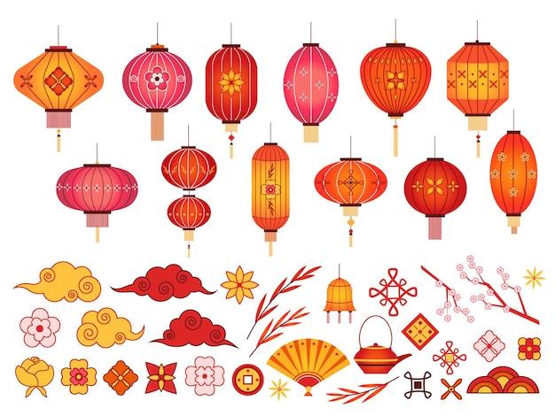 중국 새 해 요소. 아시아 랜턴, 일본 구름과 사쿠라 지점. 한국의 전통 꽃과 패턴. 축제 2020 벡터 집합입니다. 그림 중국어 등불 및 전통 장식 프리미엄 벡터