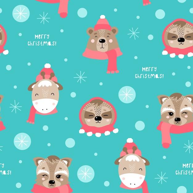 귀여운 동물들과 함께 크리스마스와 새 해 복 많이 받으세요 완벽 한 패턴입니다. 곰, 기린, 나무 늘보, 너구리. 프리미엄 벡터