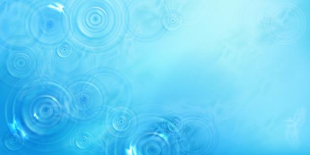 Круги на воде, вид сверху, радиальный узор на поверхности жидкости с расходящимися кольцами, вихрями и брызгами. рябь из брошенного камня на фоне синего моря или океана, реалистичная 3d иллюстрация Бесплатные векторы