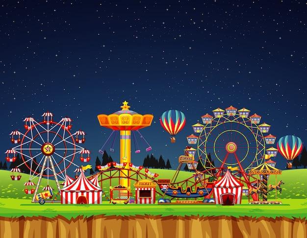 Цирковая сцена без людей в ночное время Premium векторы