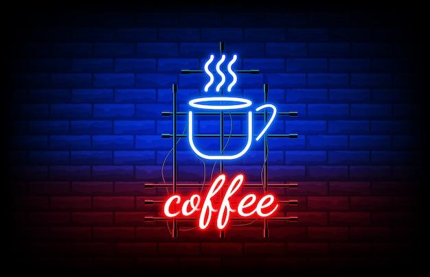 Крупным планом ночной кофе неоновая вывеска на кирпичной стене Premium векторы