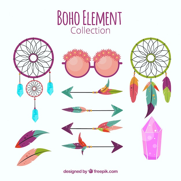 Collection of dream catchers and boho element Free Vector