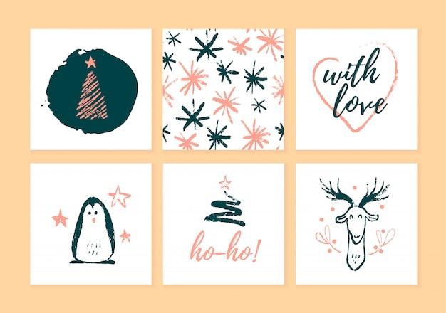 クリスマスカード、ギフトタグ、明るい背景に分離されたバッジのコレクション。クリスマス休暇のエンブレムは、手描きのスケッチスタイルでパッケージを提示します。ペンギン、鹿、モミの木、パターン。 Premiumベクター