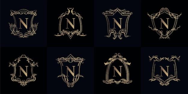 豪華な装飾が施されたロゴイニシャルnのコレクション Premiumベクター