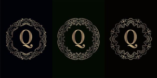 고급 만다라 장식 프레임이있는 로고 이니셜 Q 컬렉션 프리미엄 벡터