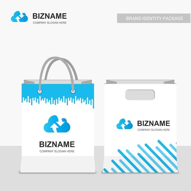 Дизайн сумок для гостиниц с синей тематикой и облачным логотипом Premium векторы