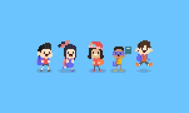 ピクセルアート漫画の子供たちのキャラクター。学校concept.8bitへのバック。 Premiumベクター