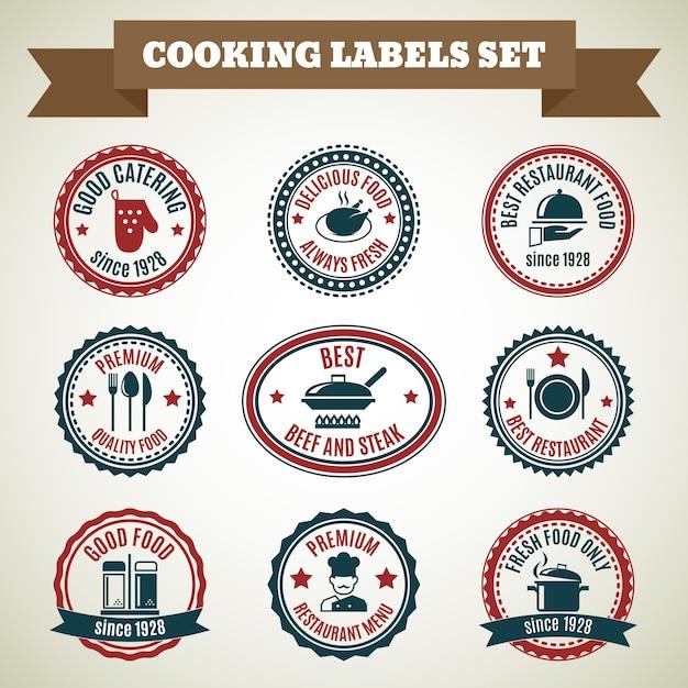 Приготовление повара этикетки набор хорошее питание вкусная еда всегда свежие изолированные векторные иллюстрации Бесплатные векторы