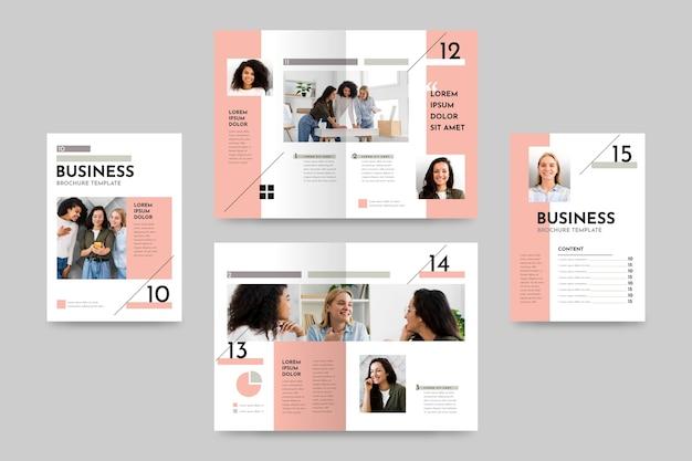 Modello di brochure creativa bifold Vettore gratuito
