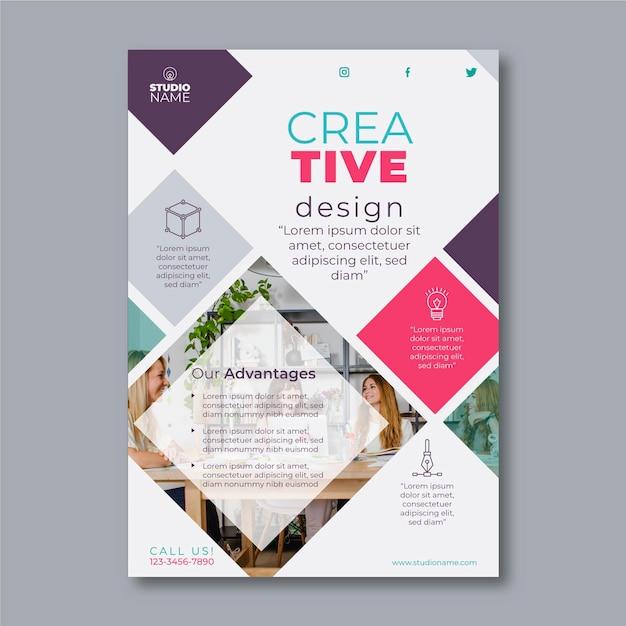 Modello di volantino di design creativo con foto Vettore gratuito