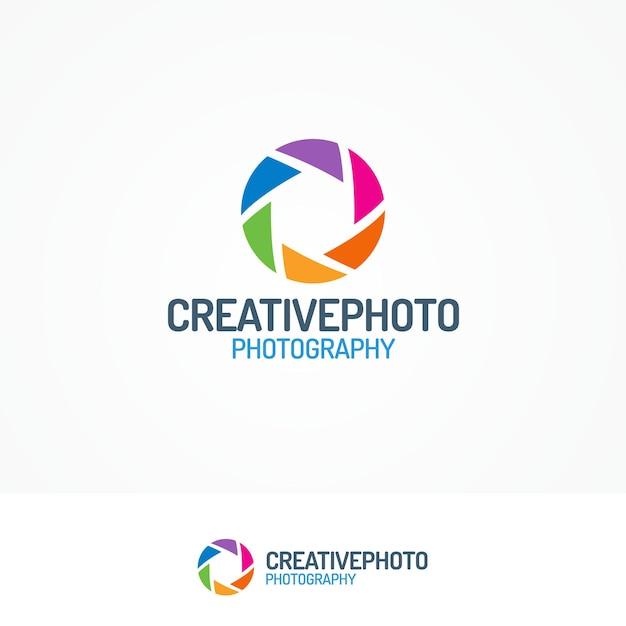 Логотип creativephoto с современным плоским цветным стилем диафрагмы Premium векторы