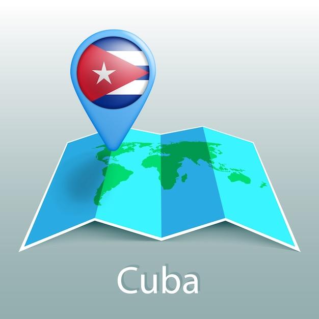 灰色の背景に国の名前とピンでキューバの旗の世界地図 Premiumベクター