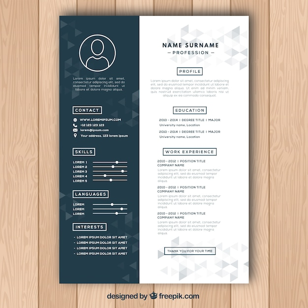Curriculum template with polygonal shapes Free Vector