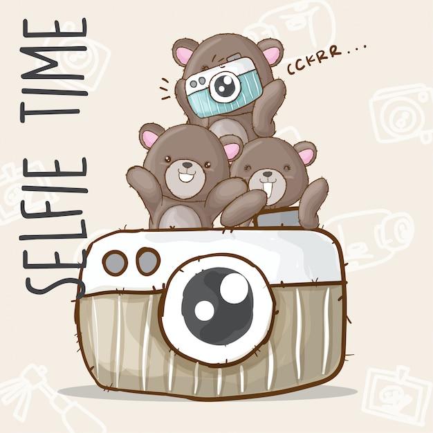 Cute bear selfie hand drawn animal Premium Vector