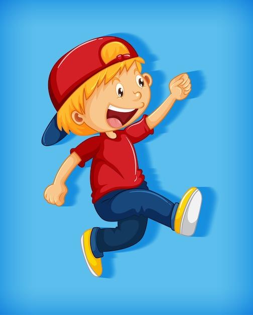 Ragazzo sveglio che indossa il berretto rosso con stranglehold nel personaggio dei cartoni animati di posizione a piedi isolato su sfondo rosa Vettore gratuito