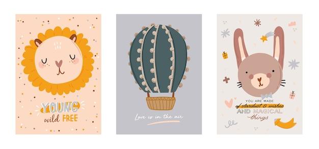 유행 따옴표와 멋진 동물 장식 손으로 그린 요소를 포함하여 귀여운 아이 스칸디나비아 문자 세트. 베이비 샤워, 보육실 장식, 어린이 디자인을위한 만화 낙서 그림. 프리미엄 벡터