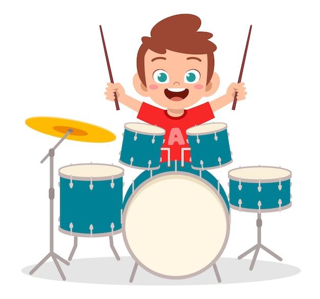귀여운 소년 콘서트에서 드럼을 재생 프리미엄 벡터