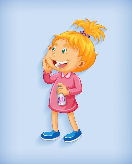 Bambina sveglia che sorride nel personaggio dei cartoni animati di posizione eretta isolato su priorità bassa blu Vettore gratuito