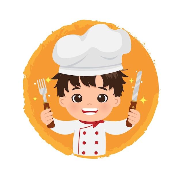 Симпатичный мужской логотип шеф-повара, держащий нож и вилку с большой улыбкой. Premium векторы