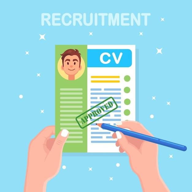 Cv бизнес резюме в руке. собеседование, набор, концепция поиска работодателя Premium векторы