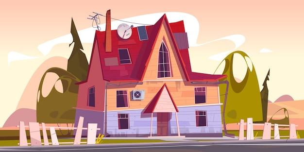 Decrepito cottage residenziale suburbano con recinzione traballante e antenna satellitare sul tetto Vettore gratuito
