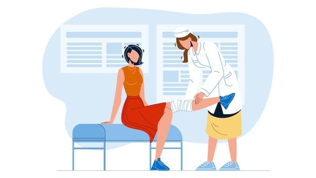 Доктор дает пациенту физиотерапию Premium векторы