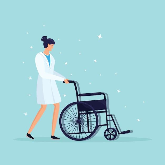 Врач или медсестра с инвалидной коляской для пожилого пациента Premium векторы