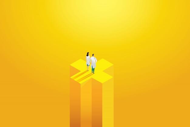 黄色の背景に立っている2つの専門家、労働者を医者します。病院スタッフ、キャラクターセット。図 Premiumベクター