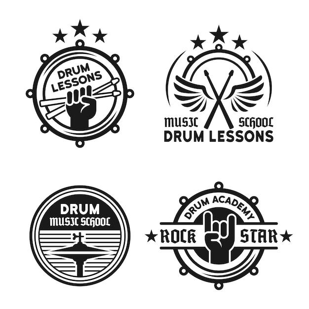 Барабанная школа или барабанные уроки набор из четырех векторных винтажных монохромных этикеток, значков, эмблем, изолированных на белом Premium векторы