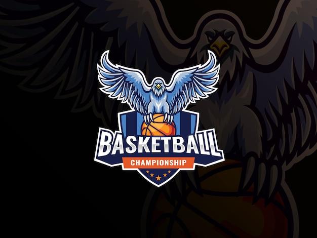 독수리 마스코트 스포츠 로고 디자인. 독수리 새 마스코트 벡터 일러스트 로고 이글은 농구에 뛰어 들었고 프리미엄 벡터