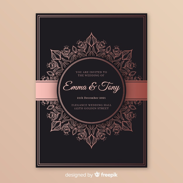 Elegant wedding invitation template with mandala Free Vector