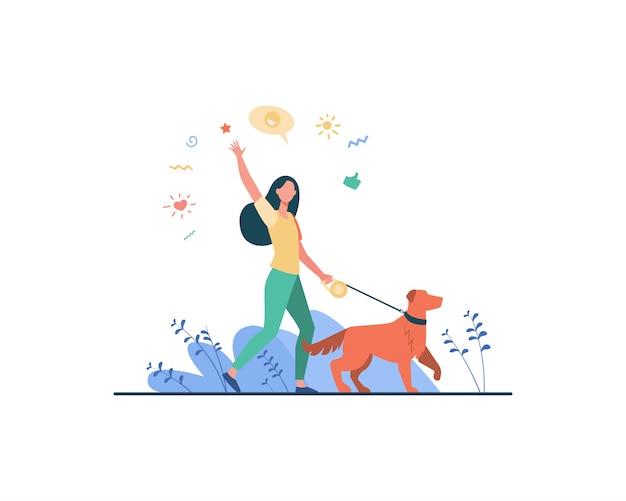 Donna felice senza volto che cammina con il cane nel parco Vettore gratuito