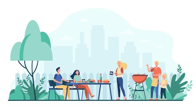 Festa barbecue in famiglia sul cortile. persone che grigliano cibo nel parco o in giardino, sedute a tavola e mangiano. per cucinare fuori, cena festiva, concetto estivo Vettore gratuito