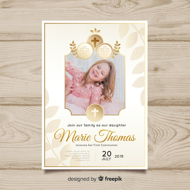 First communion invitation template with hoto Free Vector