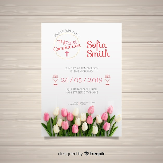 First communion invitation template with photo Free Vector