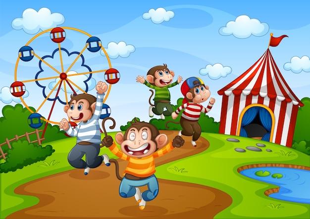 Пять маленьких обезьянок прыгают в парке развлечений Бесплатные векторы