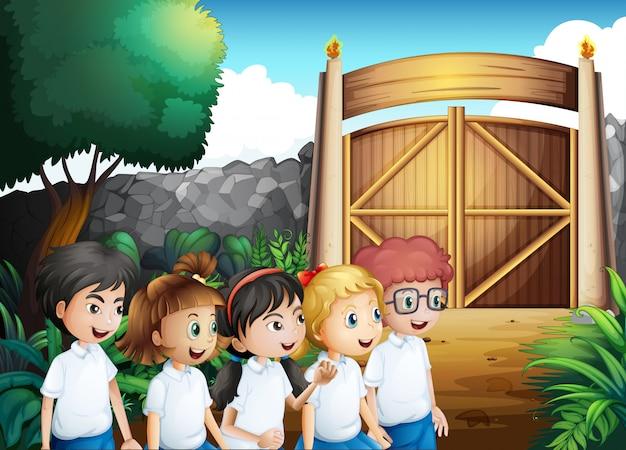 Пять учеников в полной форме Бесплатные векторы