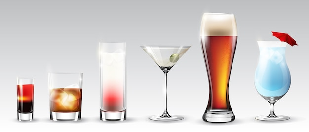 Set completo di bicchieri di diverse forme con bevande alcoliche, bevande e cocktail isolati Vettore gratuito