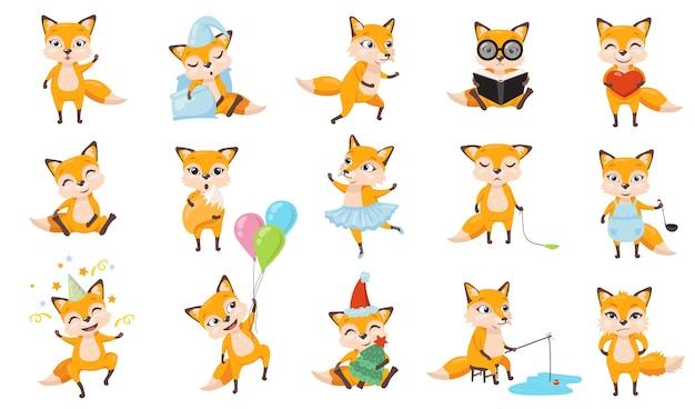 Set di volpi divertenti. animale sveglio del fumetto in diverse pose e azioni, volpe rossa che dorme, cucina, cammina, pesca, legge un libro, festeggia il compleanno. per la progettazione di app mobili, carattere per il concetto di bambini Vettore gratuito