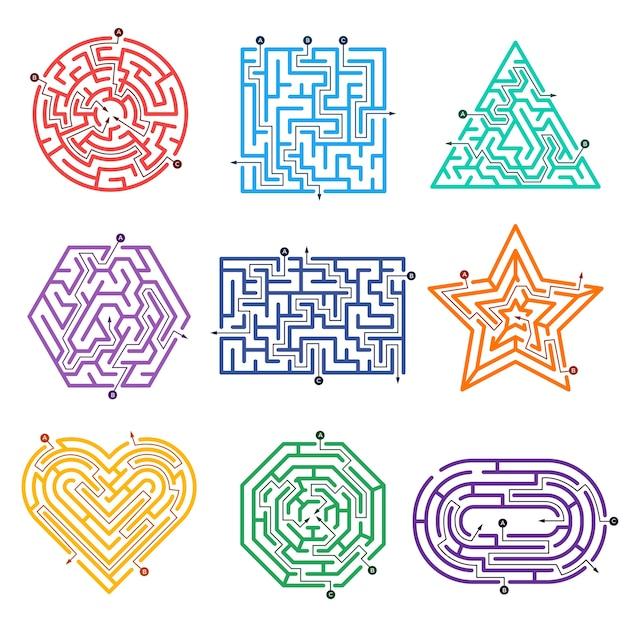 Игровой лабиринт. лабиринты с различными входными воротами и выходами из векторных фигур. иллюстрация игры лабиринт вызов, лабиринт задач Premium векторы