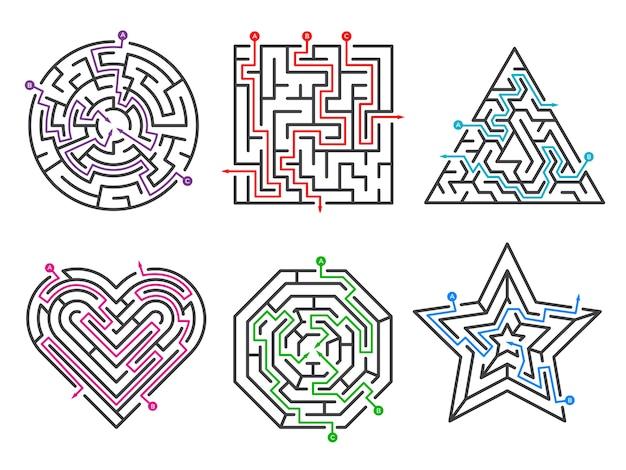 Игровой лабиринт. лабиринт собирает различные формы с множеством въездных ворот. сложность игры лабиринта, иллюстрация лабиринта головоломки задачи задачи Premium векторы