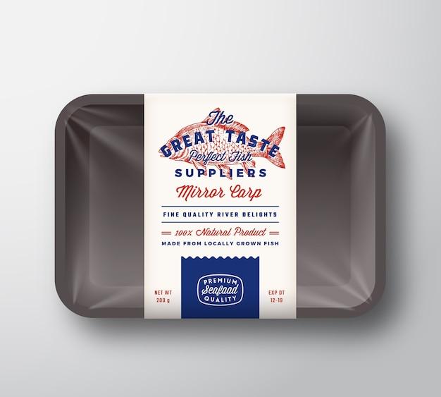 Поставщики рыбы с отличным вкусом абстрактные векторные этикетки в деревенском дизайне упаковки на пластиковом подносе с целлофановой крышкой Бесплатные векторы