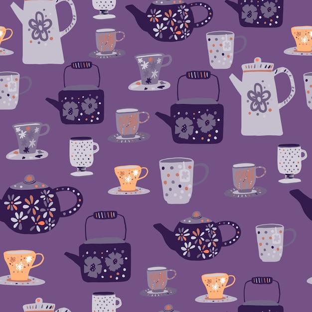 グレーとオレンジの茶道のシームレスなパターン。紫色の背景にカップとティーポットの飾りを落書き。 Premiumベクター