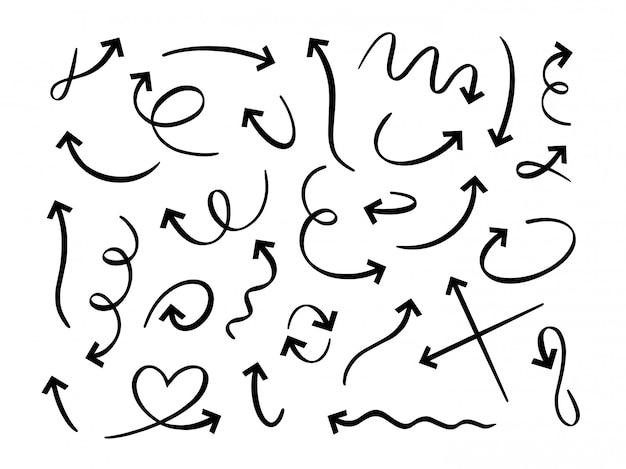 手描きの黒い矢印。曲線の落書き矢印、スケッチポインターライン、落書きセット。丸いツイストナビゲーションサイン。方向矢印、モーションポインター線形アイコンパック白い背景の上 Premiumベクター
